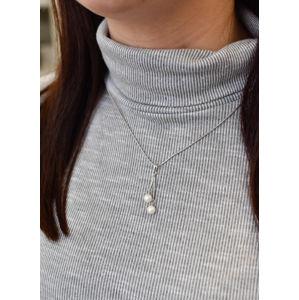 Strieborný prívesok s bielymi perlami 74075.1