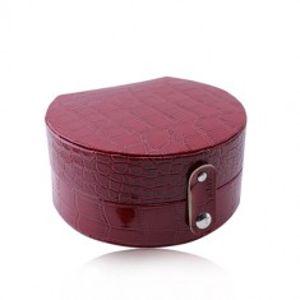 Šperky eshop - Červená šperkovnica - imitácia krokodílej kože, polkruhový tvar, patentové zapínanie Y08.06