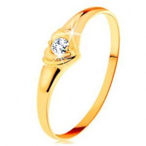 Šperky eshop - Diamantový zlatý prsteň 585 - ligotavé srdiečko so vsadeným okrúhlym briliantom BT500.67/73 - Veľkosť: 52 mm