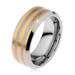 Šperky eshop - Dvojfarebný tungstenový prsteň s troma pásikmi zlatej farby, lesklo-matný, 8 mm H7.14 - Veľkosť: 54 mm