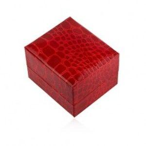 Šperky eshop - Lesklá darčeková krabička na prsteň, červená farba, krokodílí vzor U23.7
