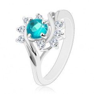 Šperky eshop - Lesklý prsteň v striebornej farbe, modrý okrúhly zirkón, číre oblúčiky G06.06 - Veľkosť: 60 mm
