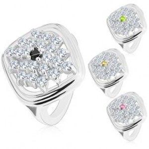 Šperky eshop - Mohutný prsteň striebornej farby, kosoštvorec zdobený ligotavými zirkónmi R42.6 - Veľkosť: 51 mm, Farba: Zelená