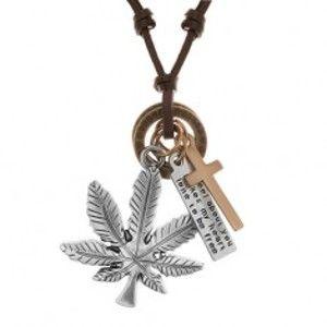 Šperky eshop - Náhrdelník - šnúrka z umelej kože s príveskami, list konope, kríž, známka a obruče Y38.18