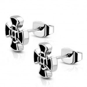 Šperky eshop - Náušnice striebornej farby z ocele - patinovaný templársky kríž, čierny zirkón W24.35