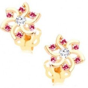 Šperky eshop - Náušnice v žltom 14K zlate - kvet s výrezmi a zirkónikmi ružovej a čírej farby GG107.31