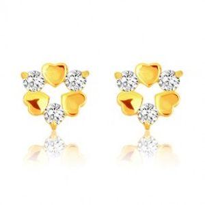 Šperky eshop - Náušnice v žltom 9K zlate - tri symetrické srdiečka a tri trblietavé zirkóny GG53.41