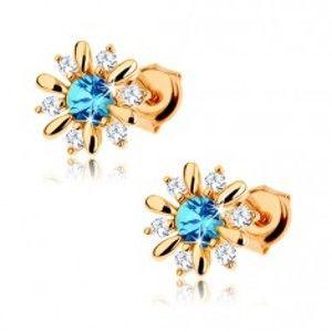 Šperky eshop - Náušnice zo žltého 9K zlata - kvietok zdobený modrým topásom a čírymi zirkónmi GG63.20
