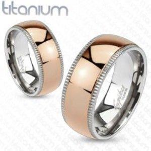 Šperky eshop - Obrúčka z titánu v ružovozlatej farbe - vrúbkovaný okraj  L1.07 - Veľkosť: 49 mm