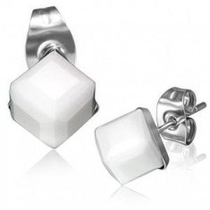 Šperky eshop - Oceľové náušnice - biely brúsený kamienok, kocka AB25.03