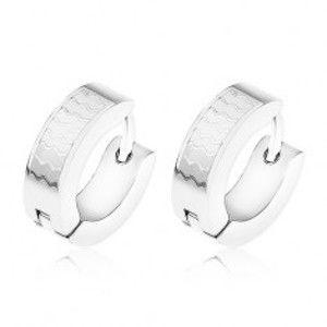 Šperky eshop - Oceľové náušnice, malé lesklé vlnky na matnom pozadí SP58.19