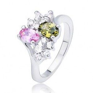 Šperky eshop - Prsteň s dvomi farebnými oválnymi zirkónmi a čírymi kamienkami L15.04 - Veľkosť: 56 mm