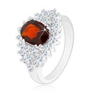 Šperky eshop - Prsteň s hladkými ramenami, zirkónový ovál v tmavočervenej farbe, číry lem V01.26 - Veľkosť: 49 mm