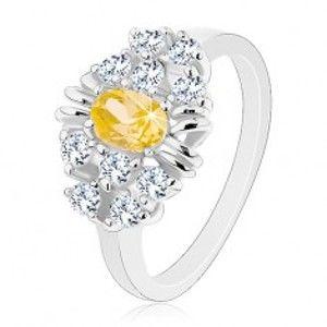 Šperky eshop - Prsteň s lesklými hladkými ramenami, brúsený žltý ovál, číre zirkóniky AC24.01 - Veľkosť: 55 mm