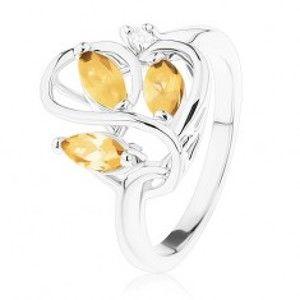 Šperky eshop - Prsteň s lesklými ramenami, zvlnené prepletené línie, svetlohnedé zirkóny R39.22 - Veľkosť: 51 mm