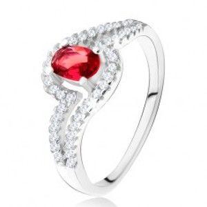 Šperky eshop - Prsteň s oválnym červeným kameňom, zvlnené zirkónové ramená, striebro 925 U20.18 - Veľkosť: 52 mm