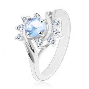 Šperky eshop - Prsteň v striebornom odtieni, okrúhly svetlomodrý zirkón, ligotavé číre oblúky G07.01 - Veľkosť: 62 mm