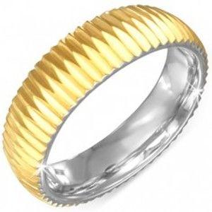 Šperky eshop - Prsteň zlatej farby z chirurgickej ocele - vrúbkovaný BB5.11 - Veľkosť: 57 mm