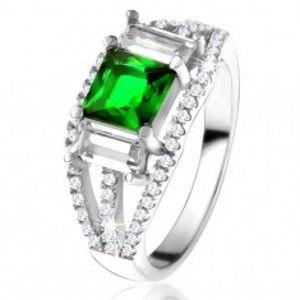 Šperky eshop - Prsteň zo striebra 925, štvorcový zelený zirkón, číre obdĺžnikové kamienky U18.06 - Veľkosť: 49 mm