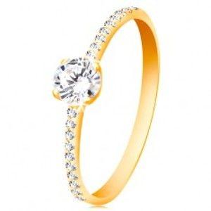 Šperky eshop - Prsteň zo žltého 14K zlata - okrúhly číry zirkón, tenké zirkónové línie po stranách GG59.33/38 - Veľkosť: 58 mm