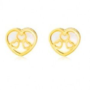 Šperky eshop - Puzetové náušnice v žltom 14K zlate - srdiečko s prírodnou perleťou a výrezmi GG19.13
