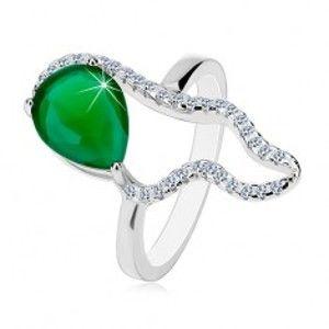 Šperky eshop - Strieborný 925 prsteň - veľká zelená slza zo zirkónu, číra asymetrická kontúra K05.02 - Veľkosť: 52 mm