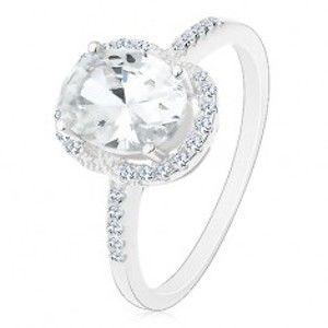 Šperky eshop - Strieborný 925 prsteň - zásnubný, veľký oválny zirkón čírej farby v kotlíku, číry lem M03.35 - Veľkosť: 51 mm