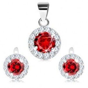 Šperky eshop - Strieborný 925 set z náušníc a prívesku, brúsený červený zirkón a číry lem V07.03