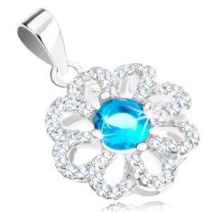 Šperky eshop - Strieborný prívesok 925, kvietok s čírymi obrysmi lupeňov, svetlomodrý zirkón R37.16