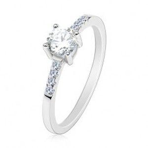 Šperky eshop - Strieborný prsteň 925, tenké ramená, okrúhly číry zirkón, trblietavé línie AA34.11 - Veľkosť: 59 mm