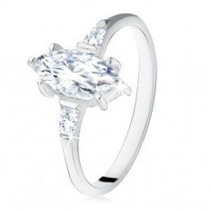 Šperky eshop - Strieborný zásnubný prsteň 925, zrniečkový zirkón, lichobežníkové po bokoch S71.20 - Veľkosť: 54 mm