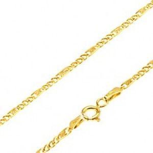 Šperky eshop - Zlatá retiazka 585 - tri malé očká, podlhovastý článok s mriežkou, 550 mm GG27.40